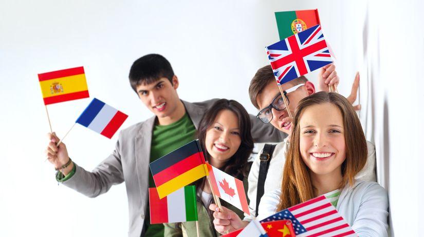 študenti, zahraničie, vlajky