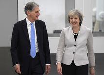 Philip Hammond, Theresa Mayová, brexit, veľká británia
