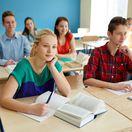stredná škola, školáci, žiaci, študenti