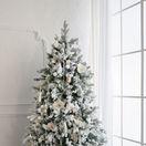 Vianočný stromček môže byť tento rok aj biely, prípade s tónmi ružovej či sivej.