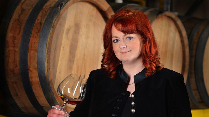 Ingrid Vajczikova, huvert de luxe, víno, šampanské