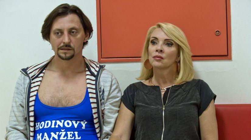 Zdena Studenková a herec Lukáš Latinák