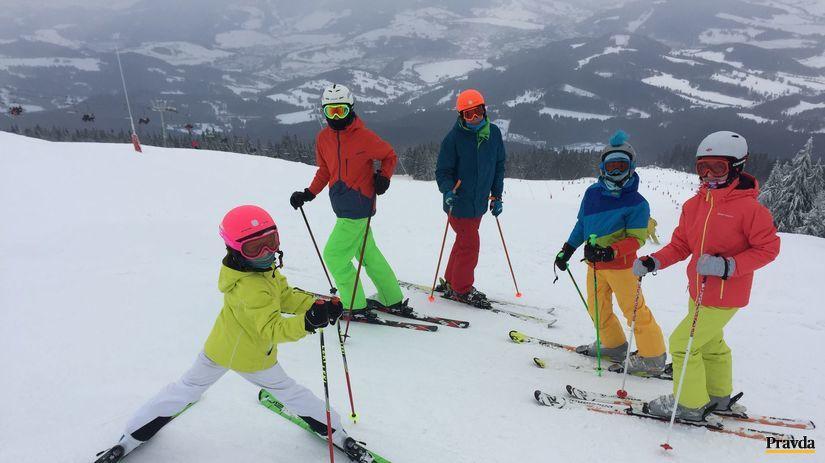lyžiari, lyžovačka, zima, počasie