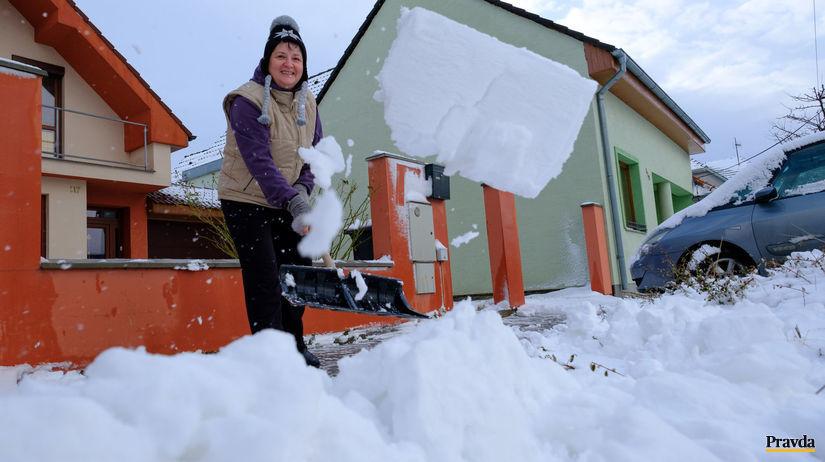 zima, sneženie, dubová, odpratávanie snehu,