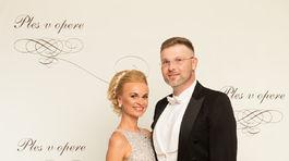 Moderátor Vladimír Vondrák s manželkou.