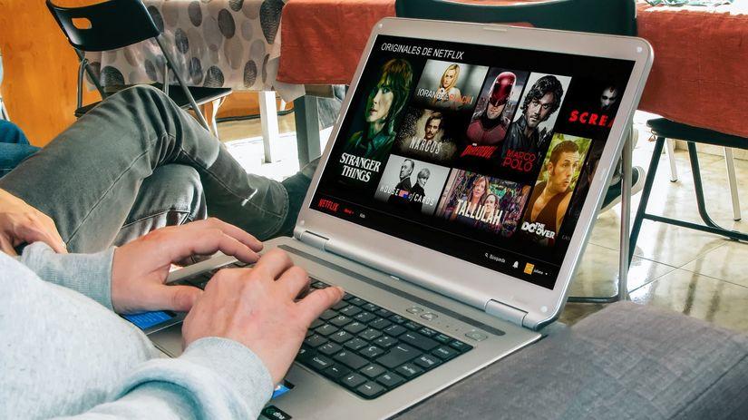 filmy, seriály, laptop, notebook, počítač,...