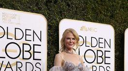 Herečka Nicole Kidman v šatách z dielne značky Alexander McQueen.
