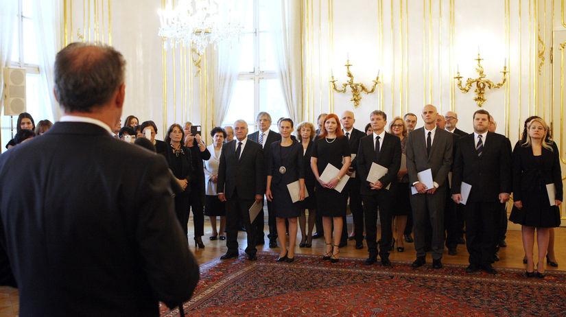 Menovanie profesorov, Kiska, prezidentský palác
