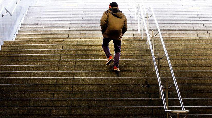 schody, chodec, slúchadlá, hudba, ulica, podchod