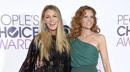 Herečka Blake Lively (vľavo) a jej nevlastná sestra Robyn Lively.