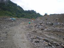 Nepál, zosuvy pôdy,