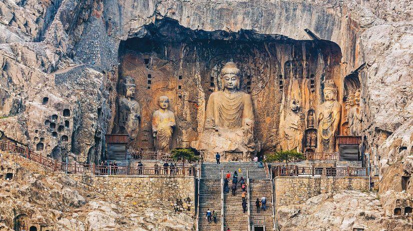 Budha, Čína, Údolie stodesaťtisíc Budhov