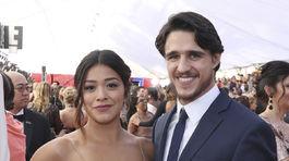 Herečka Gina Rodriguez a jej partner Joe LoCicero prišli spoločne.