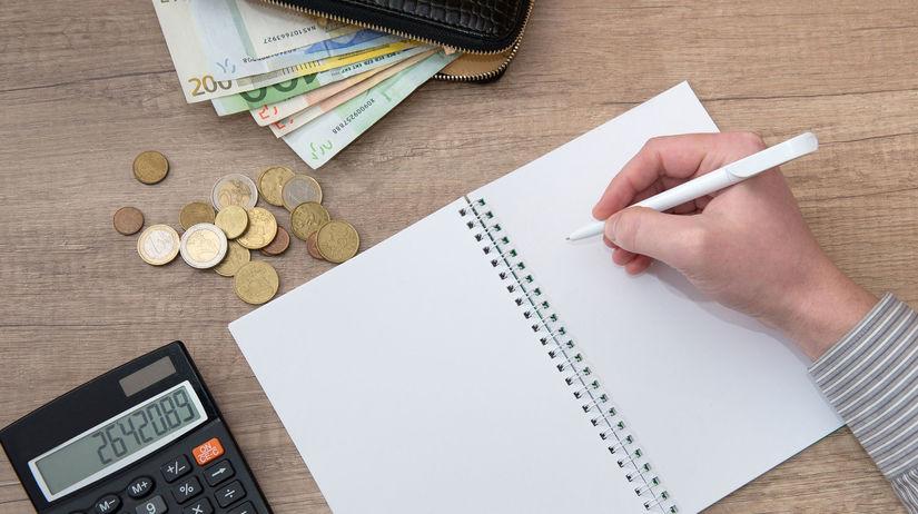zošit, kalkulačka, peniaze, drobné, ruka, pero,...
