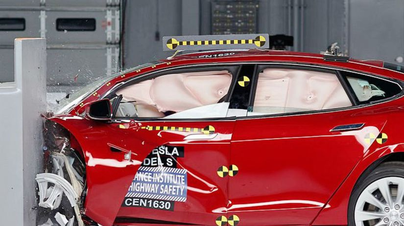 IIHS - crashtest 2017 Tesla Model S