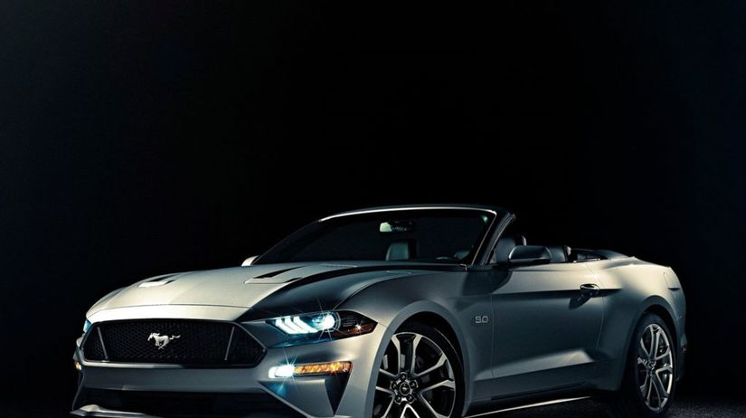Ford-Mustang GT Convertible-2018-1024-01