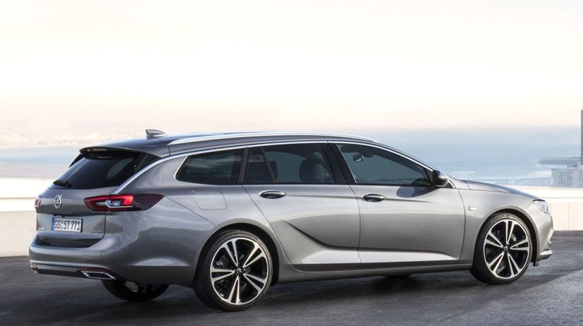 Opel-Insignia Sports Tourer-2018-1024-06