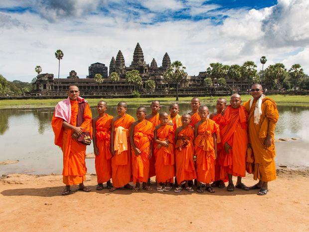 Romantický pohľad na chrámy Angkor Wat, fotený však mimo zimnej sezóny.