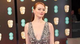 Herečka Emma Stone prišla na BAFTA v kreácii Chanel Couture.