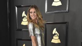 Televízna osobnosť Heidi Klum prišla v šatách Philip Plein.