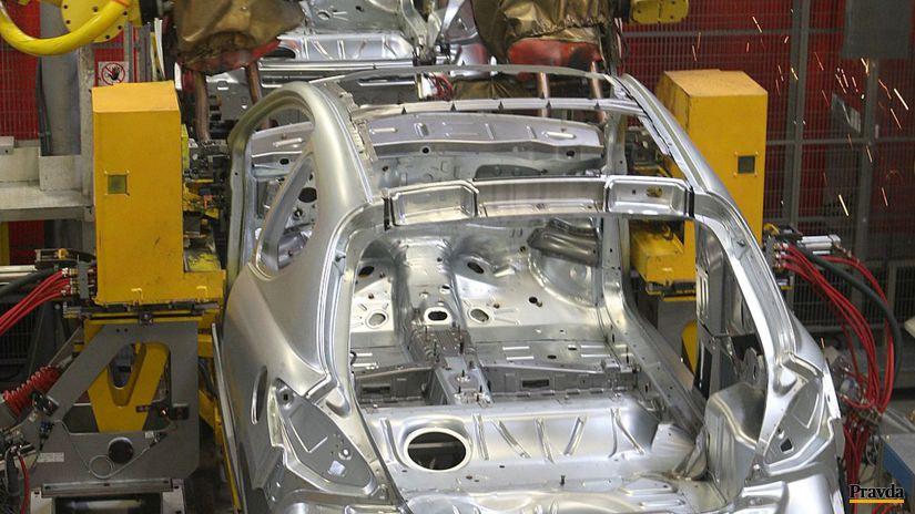 automobilka, fabrika, výroba