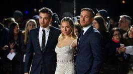 Robert Pattinson, Sienna Miller a Charlie Hunnam