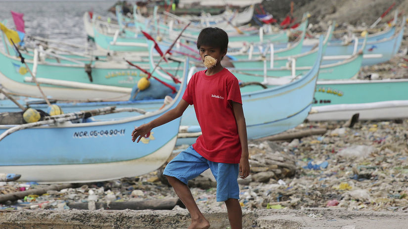 Filipíny, chlapec, loďky, lode, prístav