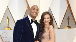 Herec Dwayne Johnson a jeho partnerka Lauren Hashian..