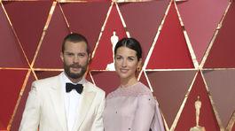 Herec Jamie Dornan a jeho manželka Amelia Warner.