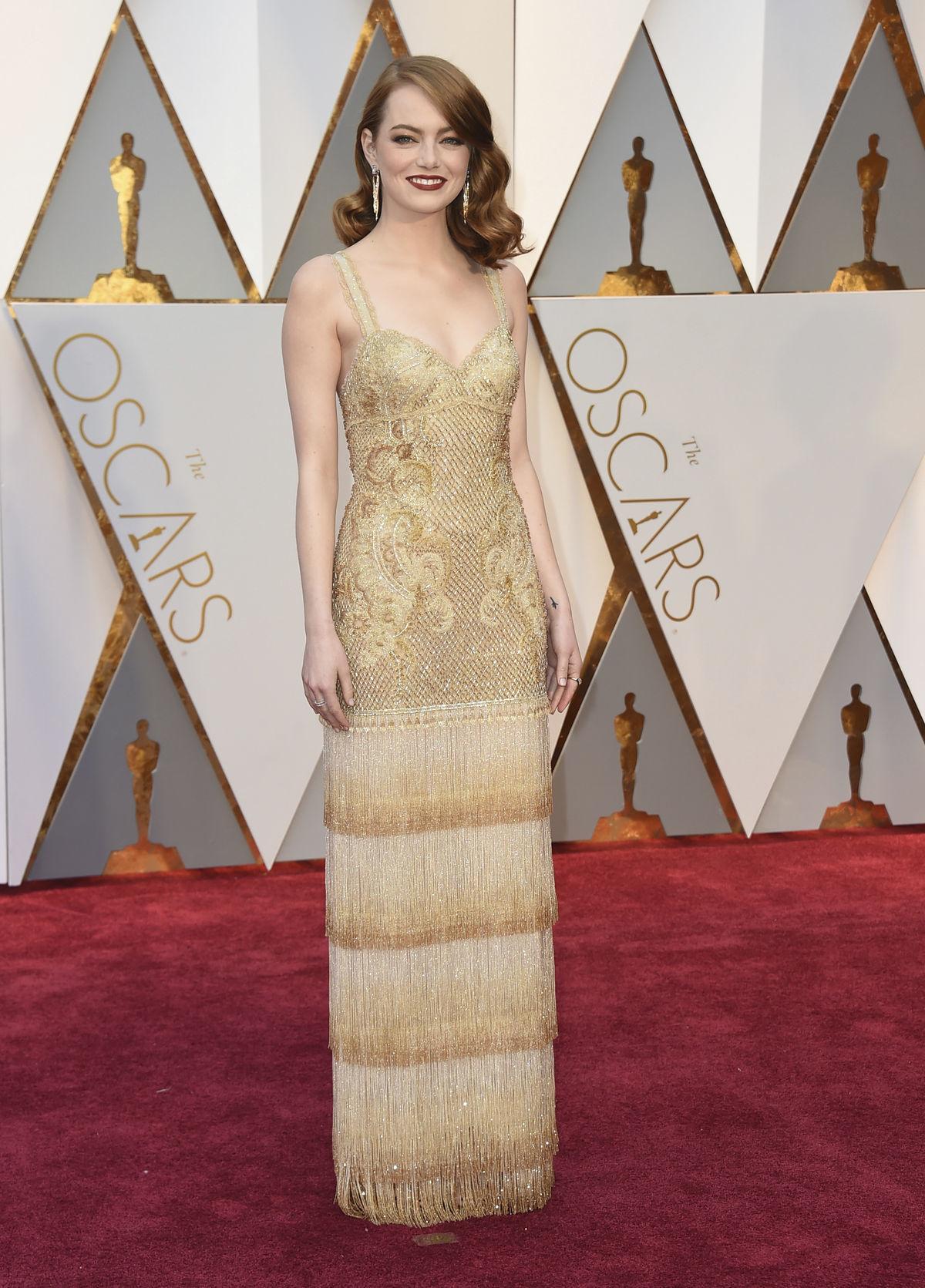 Herečka Emma Stone v kreácii Givenchy Haute...