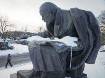 Poľskí poslanci odhlasovali zrušenie pomníkov komunizmu, Rusko zúri