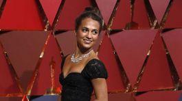 Minuloročná víťazka Alicia Vikander v kreácii Louis Vuitton.