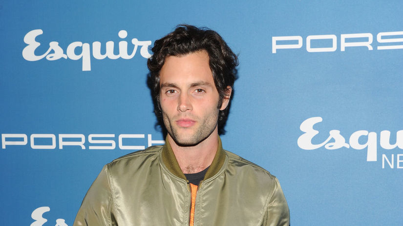 Herec Penn Badgley.