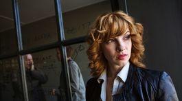 Herečka Vica Kerekes na zábere zo seriálu Clona.