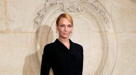 Ani herečka Uma Thurman nechýbala na prehliadke Dior.
