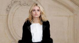 Modelka Lottie Moss - mladšie nevlastná sestra Kate Mossovej.