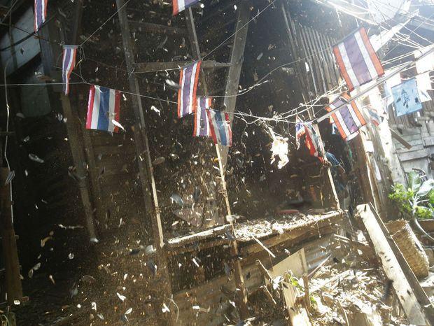 Búranie domov v historickej časti Bangkoku.