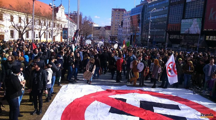 protest, pochod, Bratislava, pochod proti fašizmu