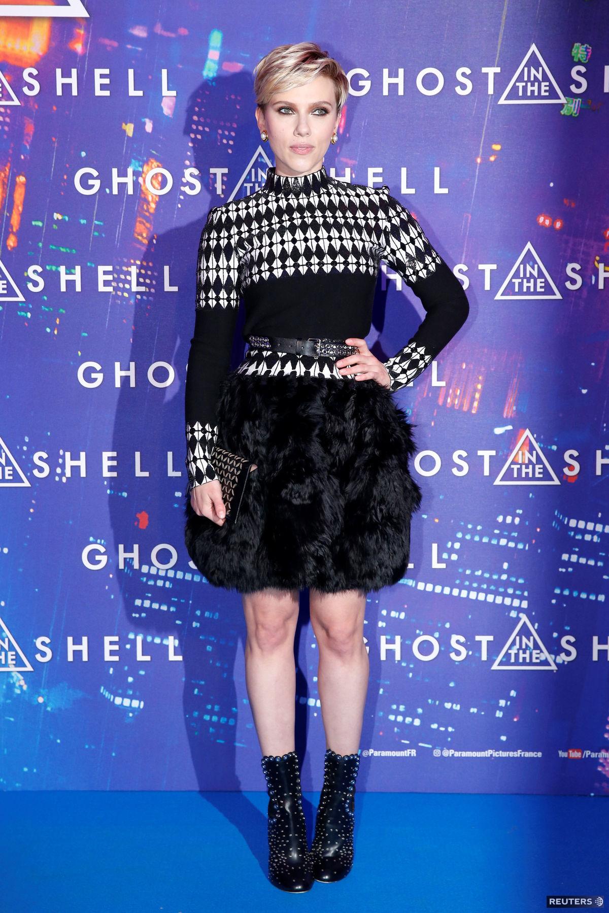 Herečka Scarlett Johansson v kreácii Azzedine...
