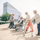invalid, zdravotne postihnutý, vozíček