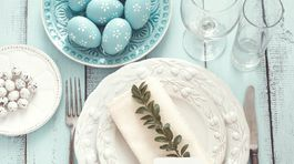 e8d4726a937c7 Veľkonočný stôl v odtieňoch modrej? Očarí jeho jemnosť