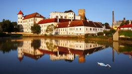 Jindrichuv hradec, rybník, hrad, zámok