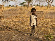 Afrika, dieťa, černoch, chlapec, hlad, buš, Južný Sudán
