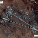 Sýrska obrana zostrelila raketu nad vojenským letiskom pri Homse