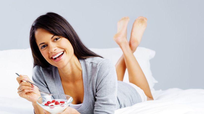 zdravá strava, žena, jogurt