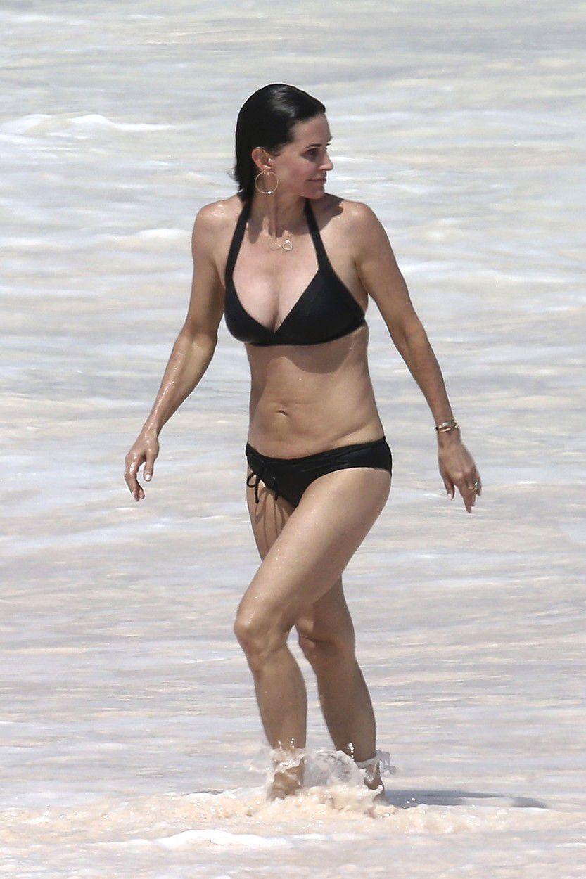 Courteney Cox dovolenkuje na Bahamách.