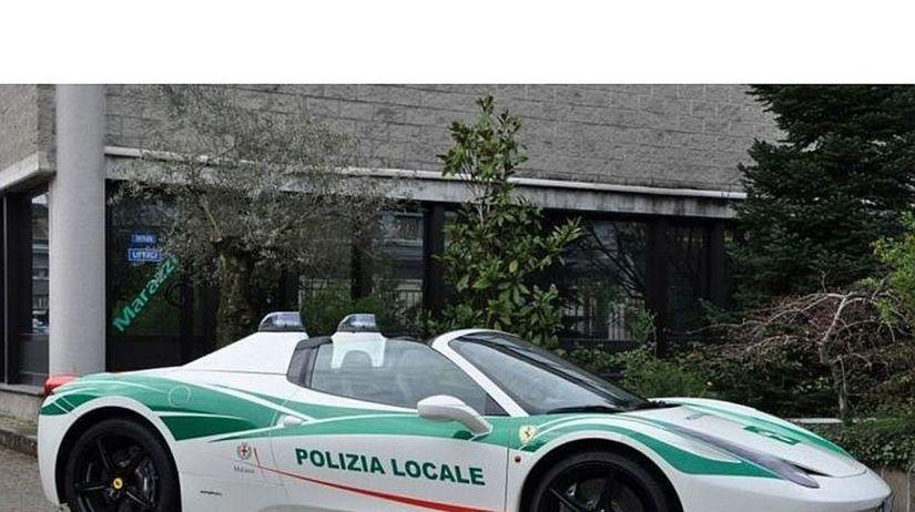 Ferrari 458 Spider - polícia Miláno