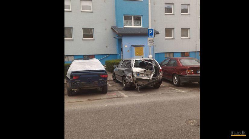 autá, autonehoda, nabúrané autá, zničené autá,...