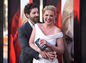 "Katherine Heigl  a  Josh Kelley na premiére filmu ""Unforgettable""  v Los Angeles."