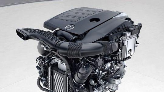 Mercedes-Benz prezradil viac o novom radovom 6-valci M 256